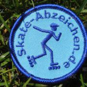 Blaues Skateabzeichen